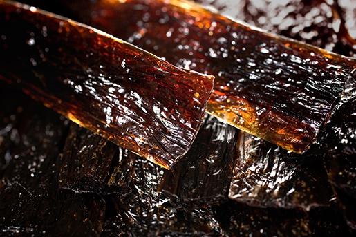 Лакомство для собак - MiraMar Beef collagen strips with chicken liver, 60g, 24cm