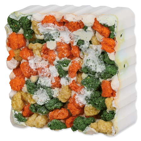 Минеральный камень для грызунов - TRIXIE Gnawing Stone with Vegetable Croquettes and Seaweed, 80 г title=